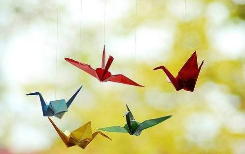 唯美的意境图片 追逐梦想的千纸鹤图片