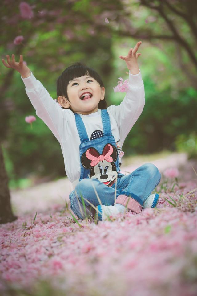 可爱意境 漂亮宝宝 - 图片素材